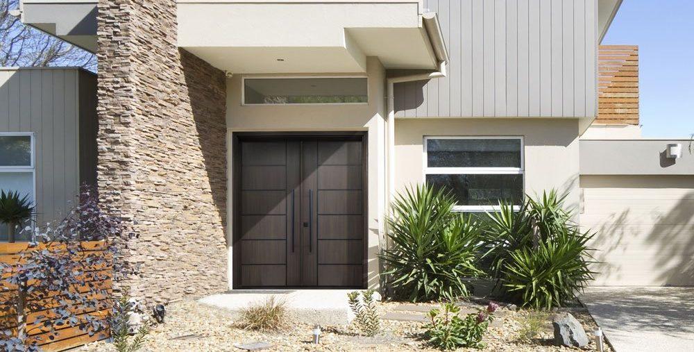 transitional-door-house-e1616520345961